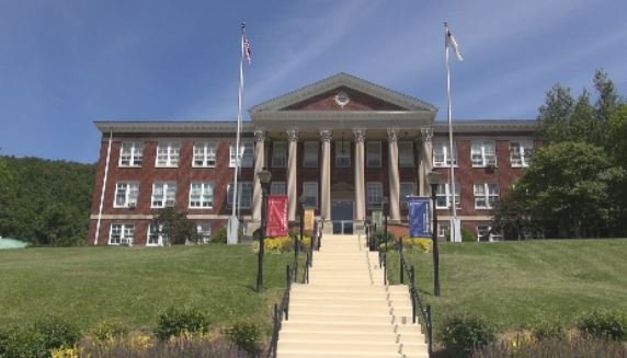 Bluefield College honors law enforcement